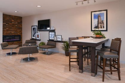 Reception | Hampton Inn & Suites Denver-Speer Boulevard