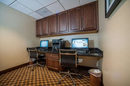 Business Center | Hampton Inn Fort Morgan