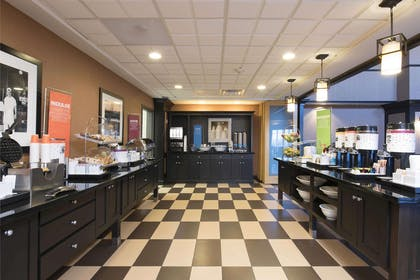 Restaurant | Hampton Inn & Suites Danville