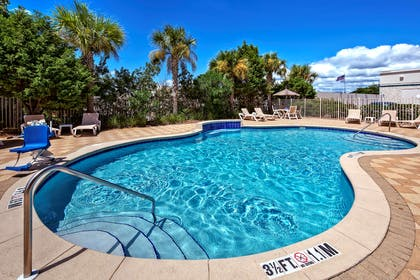 Pool | Hampton Inn and Suites Destin/Sandestin Area, FL