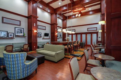Lobby | Hampton Inn and Suites Detroit/Chesterfield Township