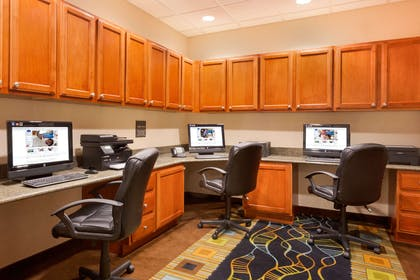 Business Center | Hampton Inn and Suites Detroit/Chesterfield Township