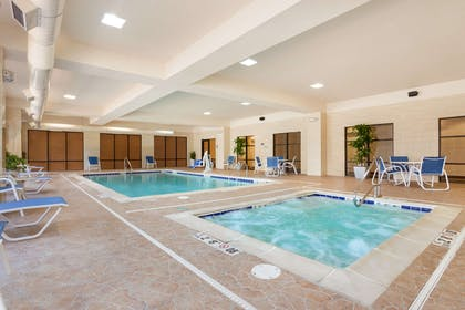 Pool | Hampton Inn and Suites Detroit/Chesterfield Township