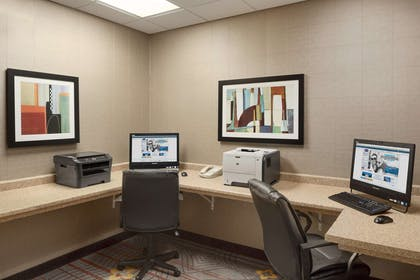 Business Center | Hampton Inn & Suites Detroit/Sterling Heights