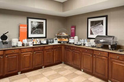 Restaurant | Hampton Inn & Suites Detroit/Sterling Heights