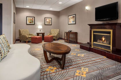 Reception | Hampton Inn & Suites Detroit/Sterling Heights