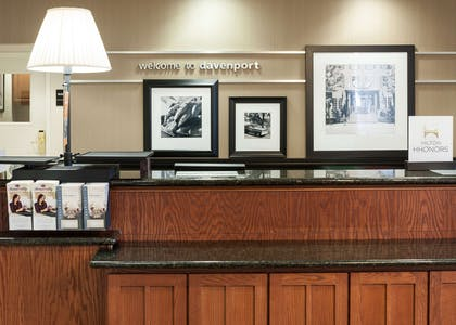 Reception | Hampton Inn & Suites Davenport