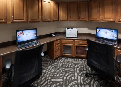 Business Center | Hampton Inn & Suites Davenport