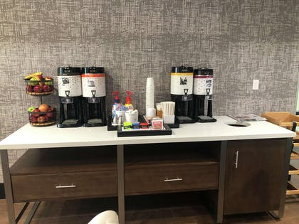 Breakfast Area | Hampton Inn El Dorado