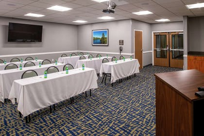 Meeting Room | Hampton Inn Eugene