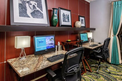 Business Center | Hampton Inn Eugene