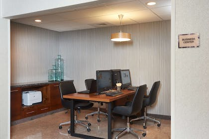 Business Center | DoubleTree by Hilton Hotel Fresno Convention Center