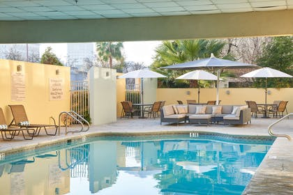 Pool | DoubleTree by Hilton Hotel Fresno Convention Center