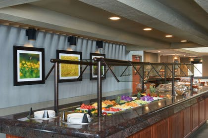 Restaurant | DoubleTree by Hilton Hotel Fresno Convention Center