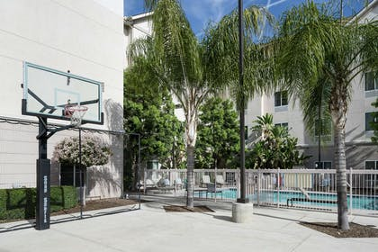 Recreational Facility | Homewood Suites by Hilton Fresno Airport/Clovis, CA