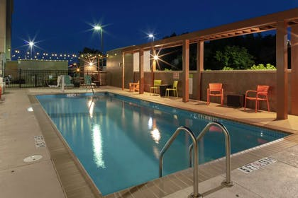 Pool | Home2 Suites by Hilton Fayetteville, NC