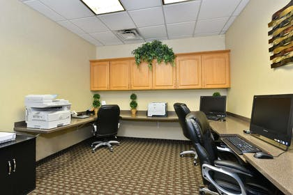 Business Center | Hampton Inn Kalispell