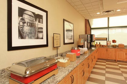 Breakfast Area | Hampton Inn Kalispell