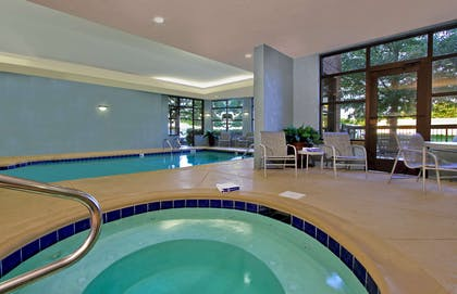 Pool | Hampton Inn & Suites Florence-Downtown