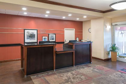 Reception | Hampton Inn & Suites Florence-North-I-95