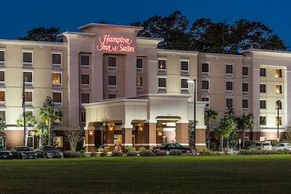 Exterior | Hampton Inn & Suites Florence-North-I-95