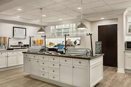 Breakfast Area | Homewood Suites by Hilton Fort Myers Airport/FGCU