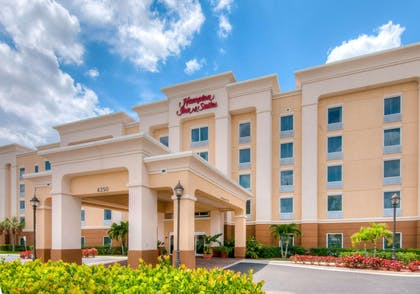 Exterior | Hampton Inn & Suites Fort Myers-Colonial Blvd.