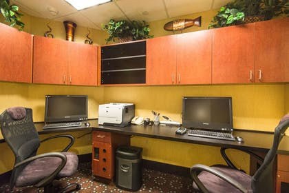 Business Center | Hampton Inn & Suites Fort Myers-Colonial Blvd.