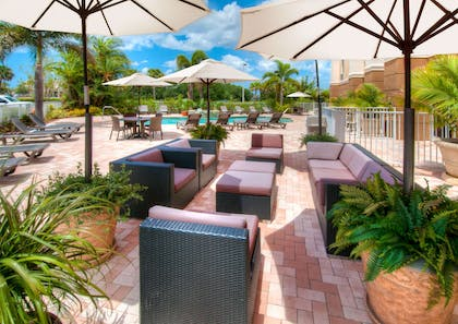 Pool | Hampton Inn & Suites Fort Myers-Colonial Blvd.