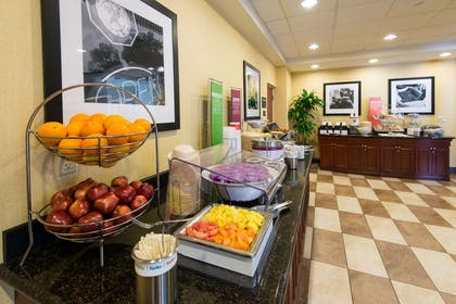 Restaurant | Hampton Inn & Suites Fort Myers-Colonial Blvd.