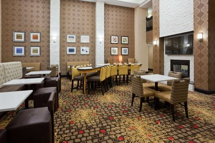 Lobby | Homewood Suites by Hilton Sioux Falls