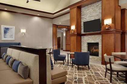 Lobby | Homewood Suites by Hilton Fort Smith