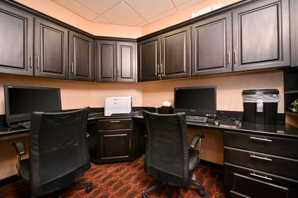 Business Center | Hampton Inn Pecos