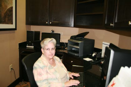 Business Center | Hampton Inn and Suites Cleburne