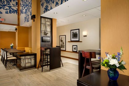 Reception | Hampton Inn & Suites Washington DC North / Gaithersburg