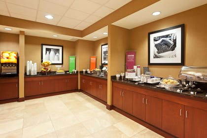 Restaurant | Hampton Inn & Suites Grove City