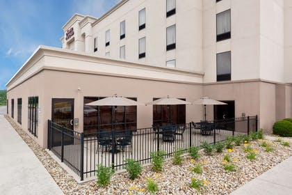 Exterior | Hampton Inn & Suites Grove City
