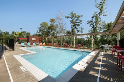 Pool | Home2 Suites by Hilton Biloxi North/D'Iberville, MS