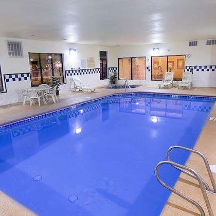 Pool | Hampton Inn & Suites Gallup
