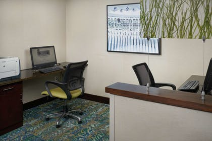 Business Center | Hampton Inn Hanover PA