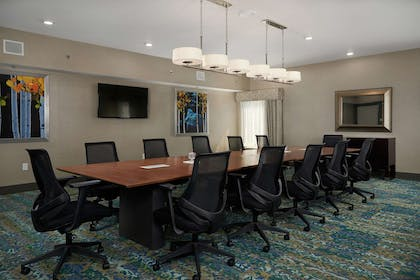 Meeting Room | Hampton Inn Hanover PA