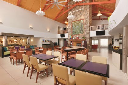 BarLounge | Homewood Suites by Hilton Harrisburg-West Hershey Area