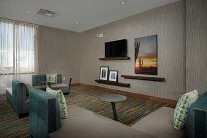 Lobby | Hampton Inn Lake Havasu City