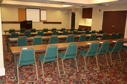 Meeting Room | Hampton Inn Hillsville