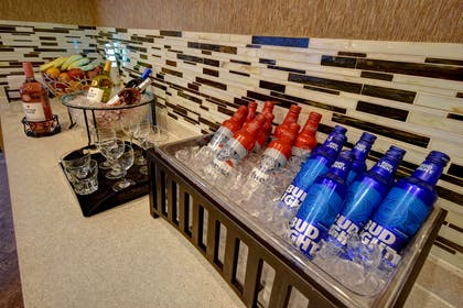 BarLounge | Homewood Suites By Hilton Houston IAH Airport Beltway 8