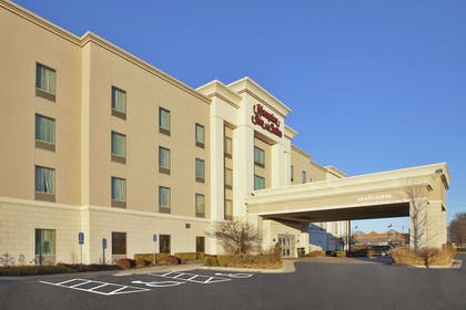 Exterior | Hampton Inn & Suites Wichita Northeast