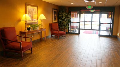 Reception | Hampton Inn & Suites Kingman, AZ