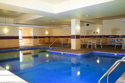 Pool | Hampton Inn & Suites Kingman, AZ