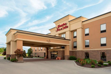 Exterior | Hampton Inn & Suites Crawfordsville