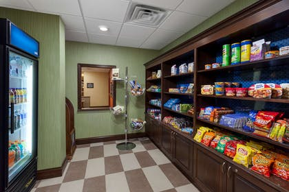 Restaurant | Hampton Inn & Suites Williamsport-Faxon Exit, PA